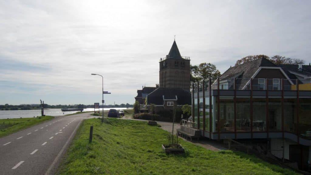 7 november 14.00 Lothloriencafé in het Veerhuis, Varik.